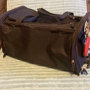 Travel Dog & Cat Carrier Bag, Black, Medium for Sale in Phoenix, AZ
