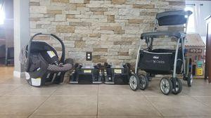 Chicco Keyfit 30 carrier set (complete) for Sale in Miramar, FL