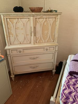 Twin Beds and matching chest, mattresses included. for Sale in Atlanta, GA