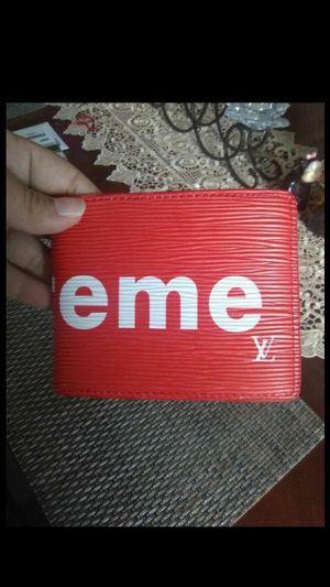 Supreme wallet, cartera for Sale in Compton, CA