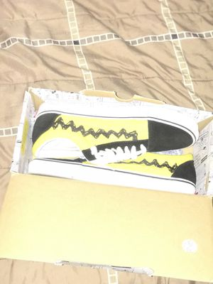 Vans x Peanuts (size 9) for Sale in Los Angeles, CA