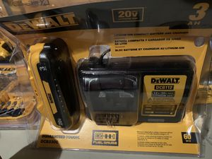Brand new dewalt 3 ah battery and charger kit for Sale in Plant City, FL