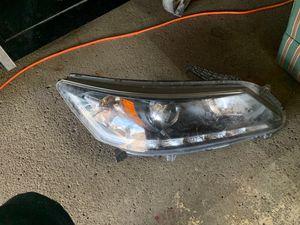 2013 Honda Accord right headlight for Sale in Dearborn, MI