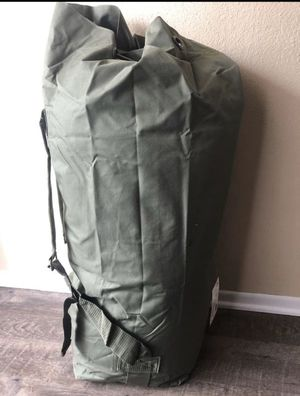 Medium to Large Army bag duffle. for Sale in Fontana, CA