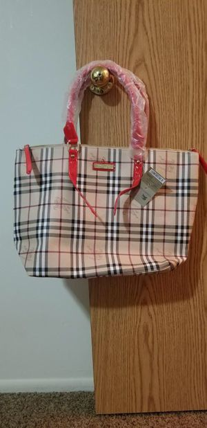 New Burberry hand bag for Sale in Murray, UT