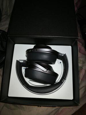 Sony headphone WH-H900N h. Noise Cancelling for Sale in Del Rey, CA