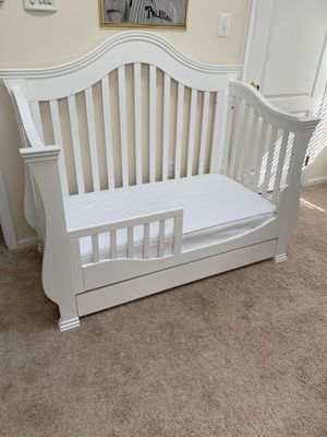Crib furniture for Sale in Lumberton, NJ