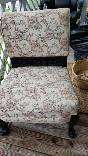 To antique And Creek chairs my grandmother had a of 4 she passed so they're about I would say 50 or 60 years old for Sale in Crewe, VA