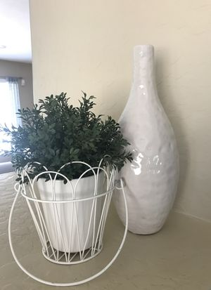 *|*RUSTIC FARMHOUSE HOME DECOR FAUX POTTED PLANT AND VASE*|* for Sale in Chandler, AZ