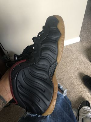 Size 10.5 Gucci Foams Going For 100 Need Gone Asap. MUST COME TO ROCKVILLE MD for Sale in Rockville, MD
