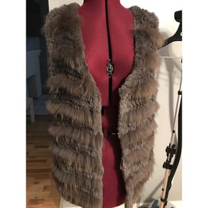 Badgely Mischka Fur Vest 100% Real Fur for Sale in Grandview Heights, OH