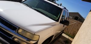 2003 Chevy Tahoe 5.3 auto 2WD for Sale in Beaumont, CA