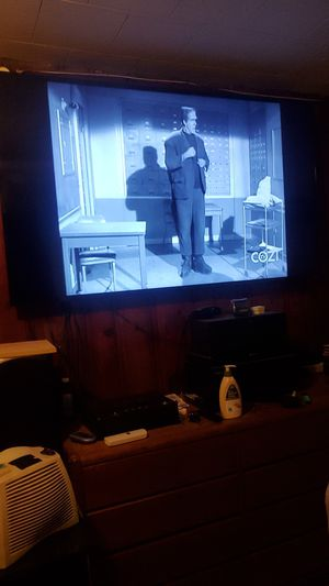 3 model 32 inch TV selling for $10 for Sale in Chicago, IL