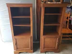 3 shelf brown wood case for Sale in Las Vegas, NV