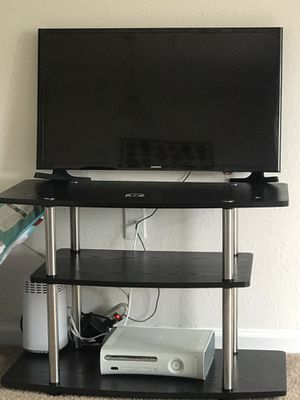 Samsung 32 inches tv with stand for 120$ for Sale in Henrico, VA