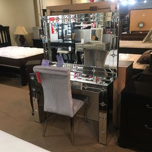 Mirror desk. Chair not included for Sale in Santa Fe Springs, CA