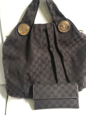 Authentic Gucci bag with matching wallet $950 for Sale in Orlando, FL