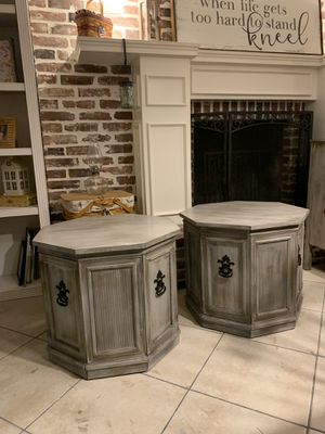 2 Beautiful Refinished Mid Century Weiman End Tables / Side Tables / Nightstands - Rustic Farmhouse Look! for Sale in Lake Worth, FL