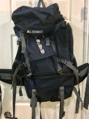 Everest deluxe hiking backpack for Sale in Las Vegas, NV