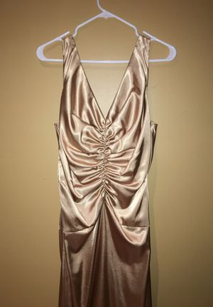 Gold elegant Gown size 16 $30 for Sale in Homestead, FL