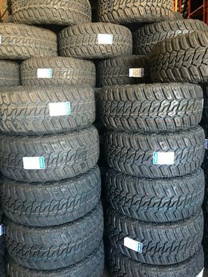 285 70 17 MONKEY WHEELS AND TIRES for Sale in Phoenix, AZ