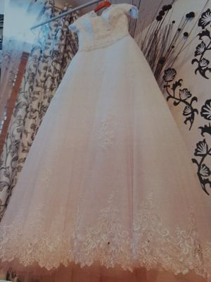 Wedding dress, Excellent condition! for Sale in Covington, WA