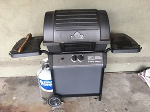 Grill - works fine - full propane tank included for Sale in Santa Monica, CA