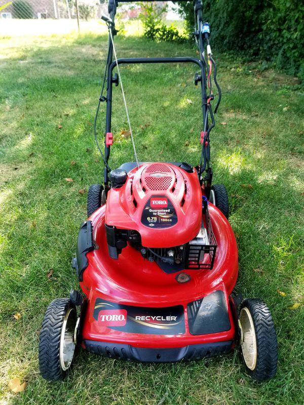 """Toro Recycler 22"""" 3-N-1 Self-Propelled Lawn Mower"""