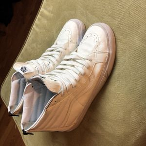 Clean white leather vans for Sale in Huntington, WV