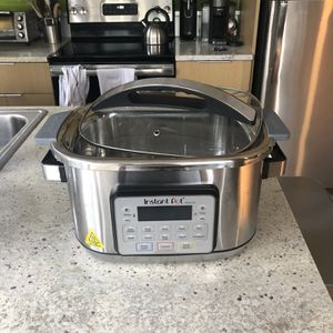 Instant Pot Aura Pro 8Qt 11 In 1 Great Condition for Sale in Medina, WA