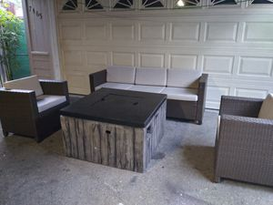 Outdoor patio conversation set for Sale in Thousand Oaks, CA