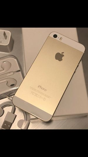 iPhone 5s - just like new, factory unlocked, clean IMEI for Sale in Springfield, VA