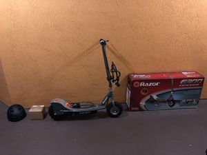 Razor E300 Electric Scooter + 4 Year Warranty + Many Extras for Sale in Orlando, FL