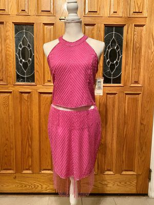 An Elegant Fuchsia Evening Dress / Party dress / Cocktail dress . Size 4. NWT for Sale in Elk Grove, CA