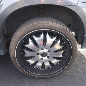 20 inch lorenzo rims for Sale in Columbus, OH