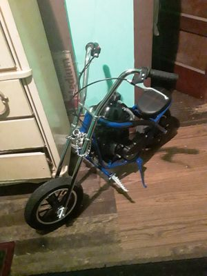 Mini chopper 49cc top speed 32 miles to tank 23 Just Brakes very nice in New for Sale in Alcoa, TN