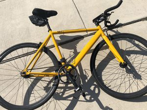 55 cm sku men's fixie road yellow bicycle for Sale in San Marcos, TX