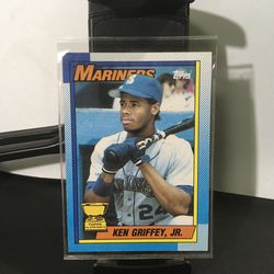 1990 Topps Ken Griffey Seattle Mariners #336 Baseball Card for Sale in Westchester,  IL