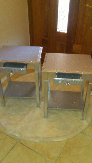 Set of 2 end tables for Sale in Phoenix, AZ
