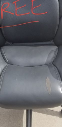 Free Serta Computer Chair for Sale in Surprise,  AZ
