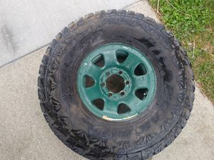 One falken 33in tire in 15in toyota rim for Sale in North Highlands, CA