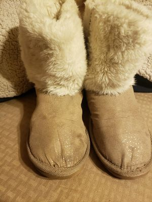 Light brown boots for Sale in Fresno, CA