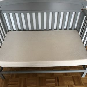 Graco Crib And Mattress for Sale in Jersey City, NJ