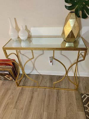 Gold Console table with Mirror top for Sale in Pompano Beach, FL