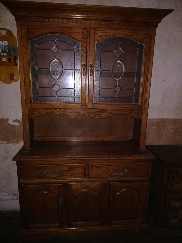 Oak cabinet base and hutch china display