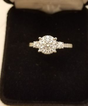 White gold ring with diamonds, number 7 with certificate of authenticity $ 750 dollars but you can make an offer for Sale in Dallas, TX