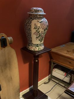 Oriental Vase With Cover And Wood Pedestal - Xlarge and Heavy for Sale in Miami,  FL