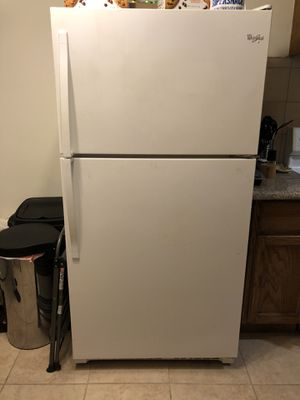 Whirlpool Refrigerator for Sale in Torrance, CA