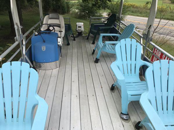 Pontoon boat plastic floors no trailer
