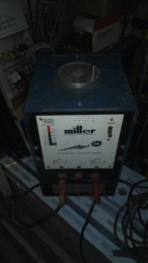 Miller 225 volt thunderbolt vintage welder for Sale in Kennewick, WA